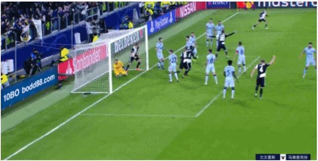尤文图斯1:0压制马竞,迪巴拉任意球破门令球迷惊呼
